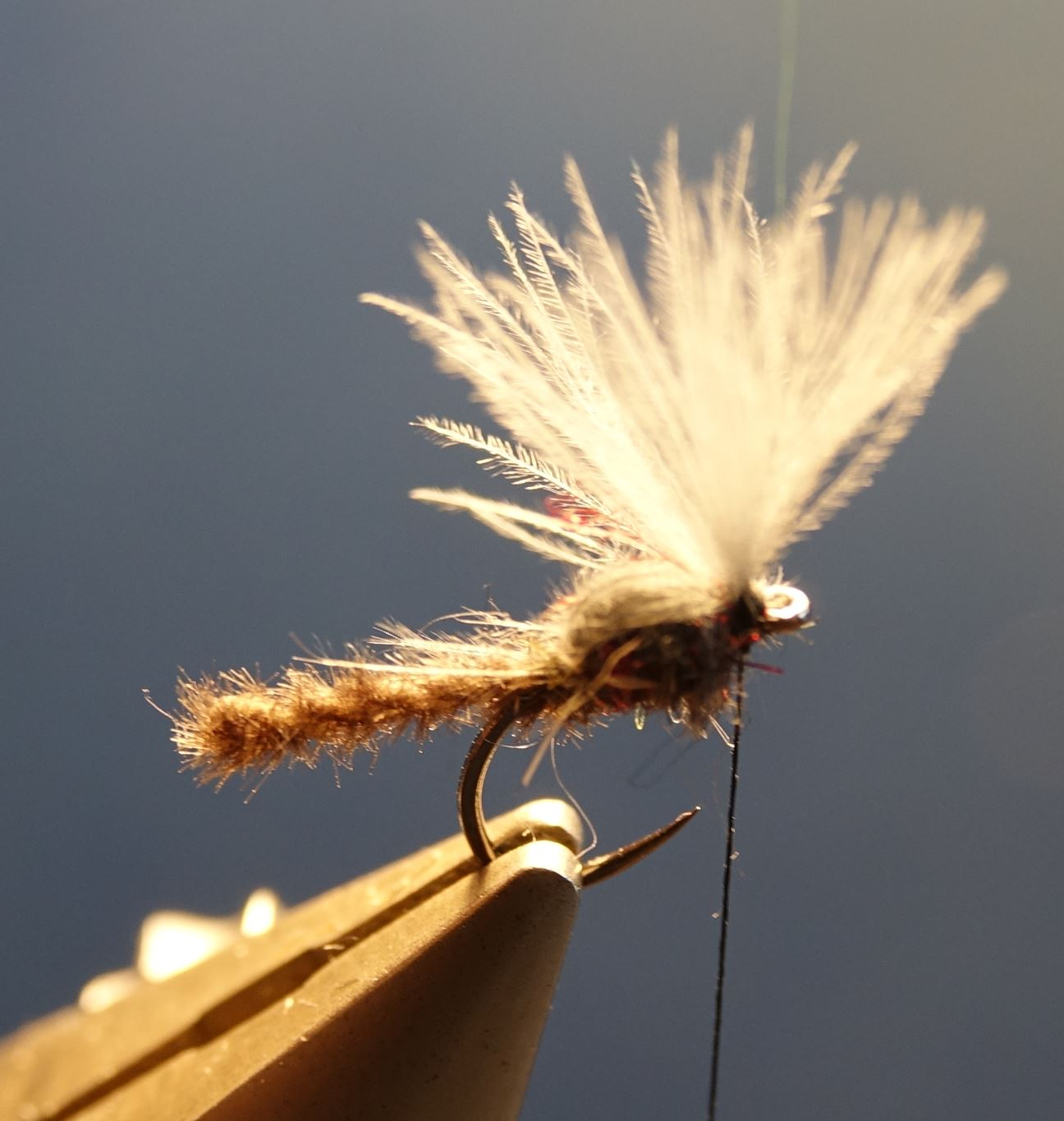 Chironome microchenille CDC dubbing mouche fly tying eclosion tip